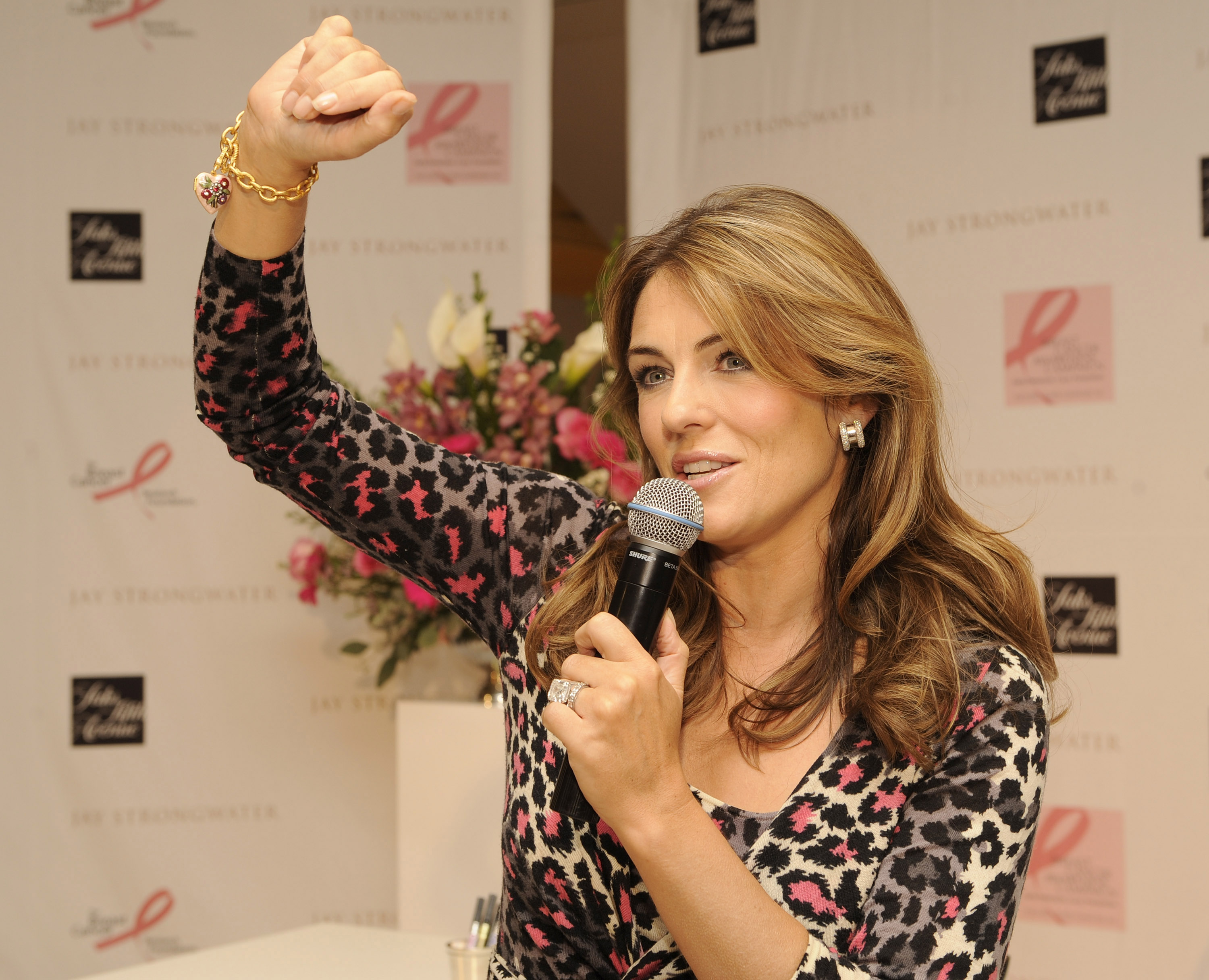 84700_Celebutopia-Elizabeth_Hurley-Celebration_of_Jay_Strongwater_limited_edition_pink_reflections_compact-06_122_580lo.jpg