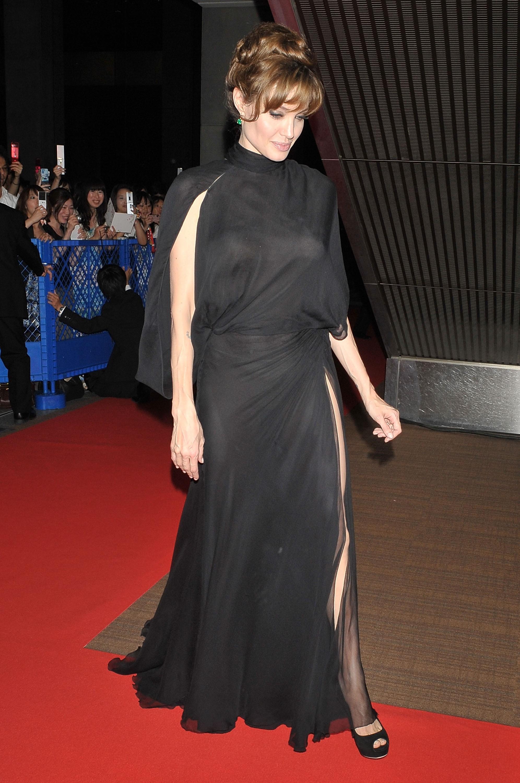 21489_Angelina_Jolie_Salt_Premiere_Tokyo.21_122_1029lo.jpg