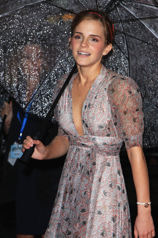 53351_Emma_Watson_HPaTHBP_premiere_in_London04116_122_243lo.jpg