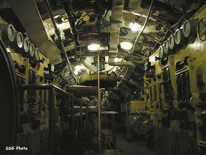 37453_submarine11_122_477lo.jpg
