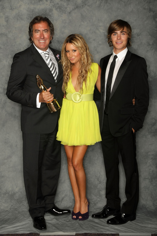 63066_babayaga_Ashley_Tisdale_ALMA_Awards_08-17-2008_029_123_151lo.jpg