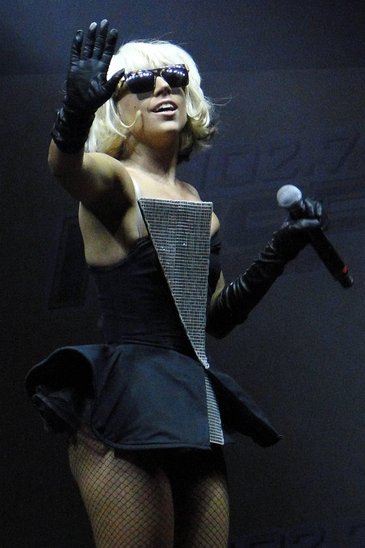 94555_Lady_Gaga_performs_at_KISS_FMs_Wango_Tango-4_122_47lo.jpg