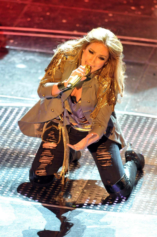 04449_Jennifer_Lopez_at_Festival_di_Sanremo_Italian_song_contest.com_Jennifer_Lopez_Sanremo_188_122_57lo.JPG
