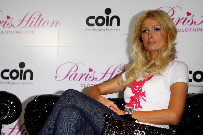 11586_Celebutopia-Paris_Hilton-Launch_of_Paris_Hilton_clothing_line-52_122_697lo.jpg