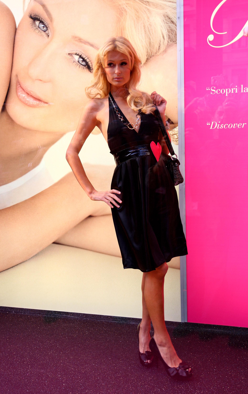 11657_Celebutopia-Paris_Hilton-Launch_of_Paris_Hilton_clothing_line-62_122_159lo.jpg