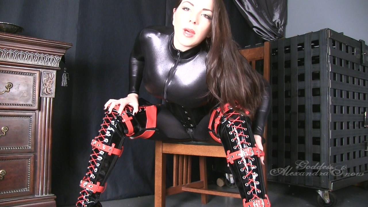513940427_Goddess_Alexandra_Snow___Red_and_black_boots.mp4_20170904_112448.993_123_232lo.jpg