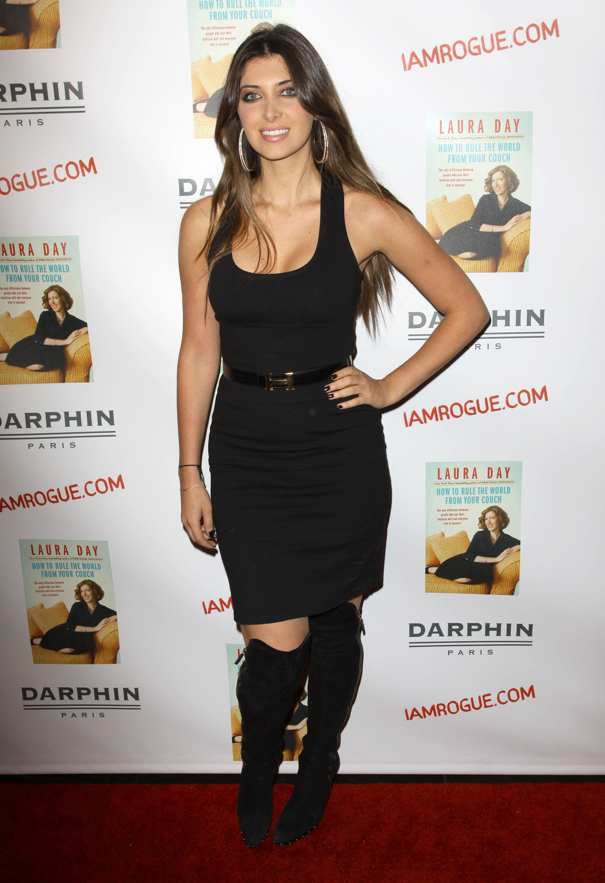 02395_celebrity-paradise.com-The_Elder-Brittny_Gastineau_2009-10-19_-_Book_Party_For_Laura_Day_339_122_195lo.jpg