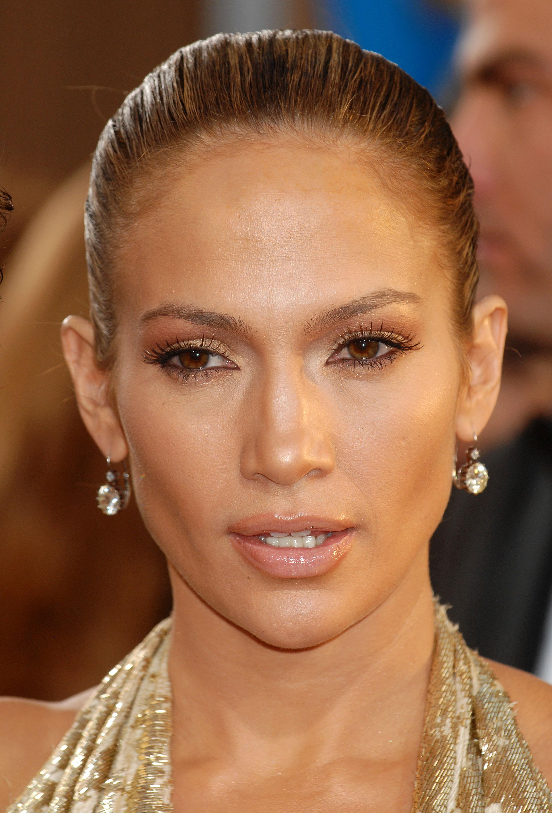 29574_Celebutopia-Jennifer_Lopez_arrives_at_the_66th_Annual_Golden_Globe_Awards-05_122_227lo.JPG