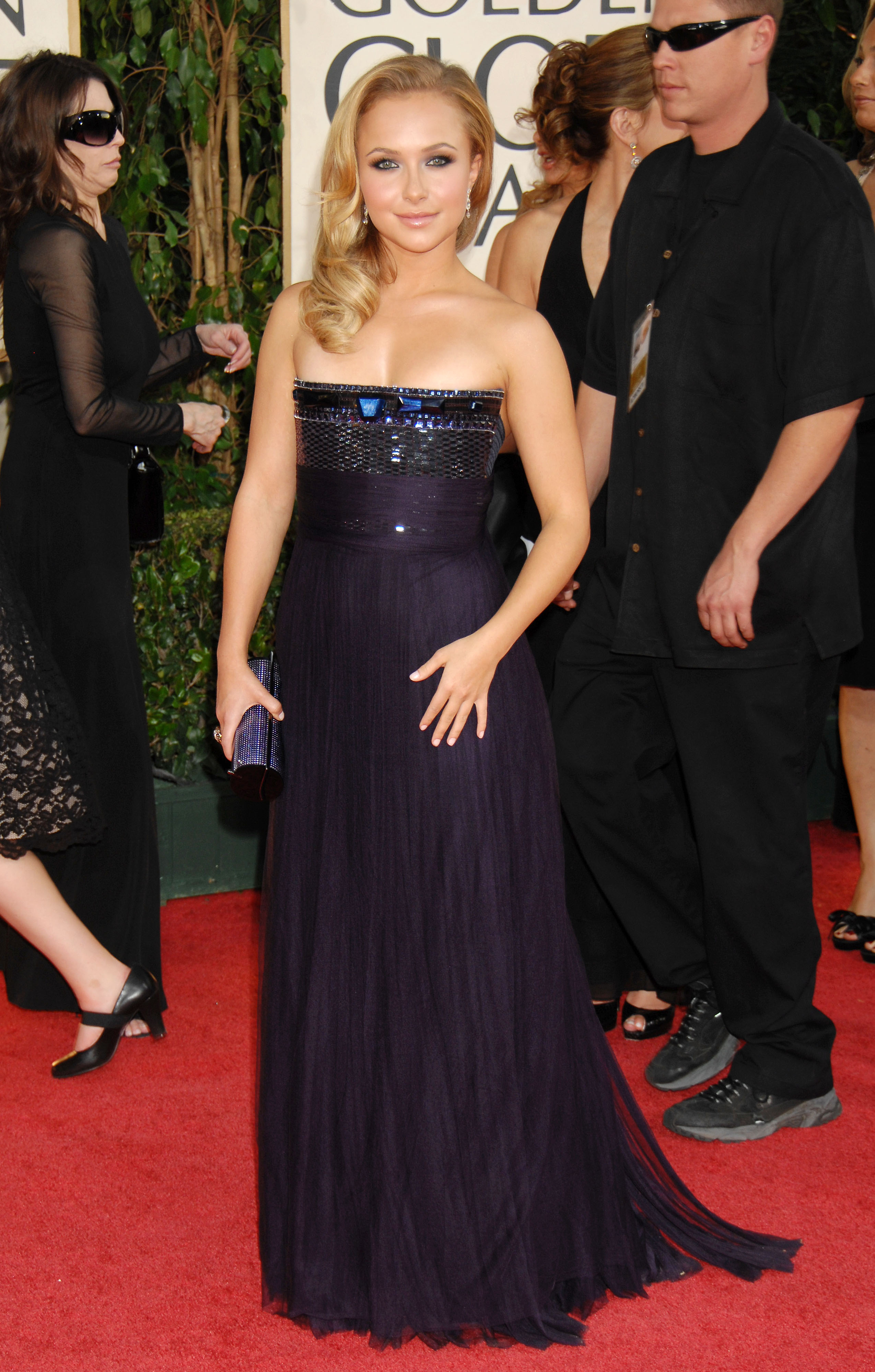 29916_Celebutopia-Hayden_Panettiere_arrives_at_the_66th_Annual_Golden_Globe_Awards-10_122_239lo.jpg