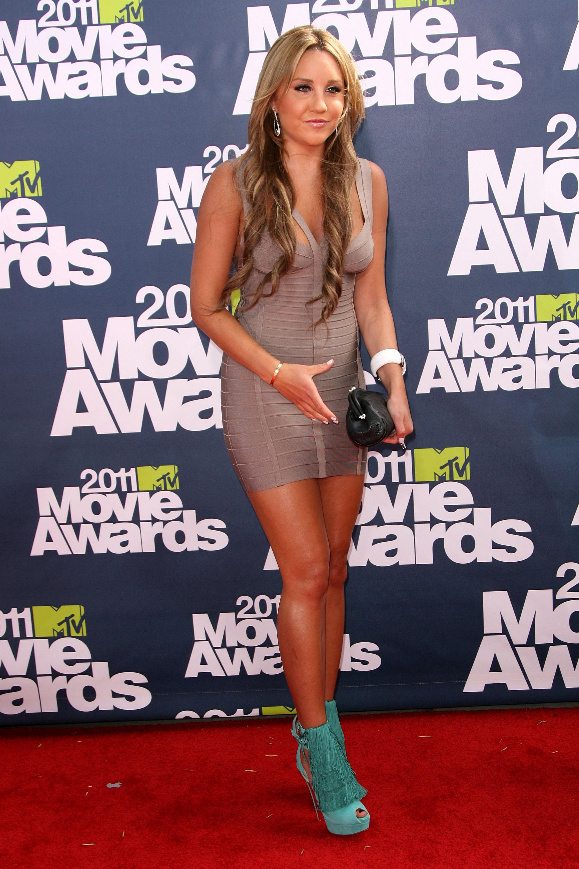 603330507_Amanda_Bynes_at_2011_MTV_Movie_Awards13_122_31lo.jpg