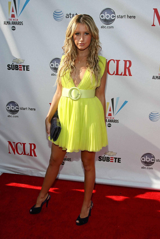 39081_Ashley_Tisdale_2008-08-17_-_The_2008_ALMA_Awards_7123_122_347lo.jpg