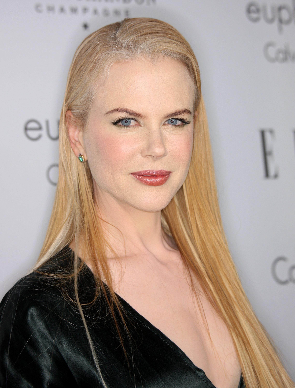 59292_Celebutopia-Nicole_Kidman-15th_annual_Women_In_Hollywood_Tribute_-03_122_419lo.jpg