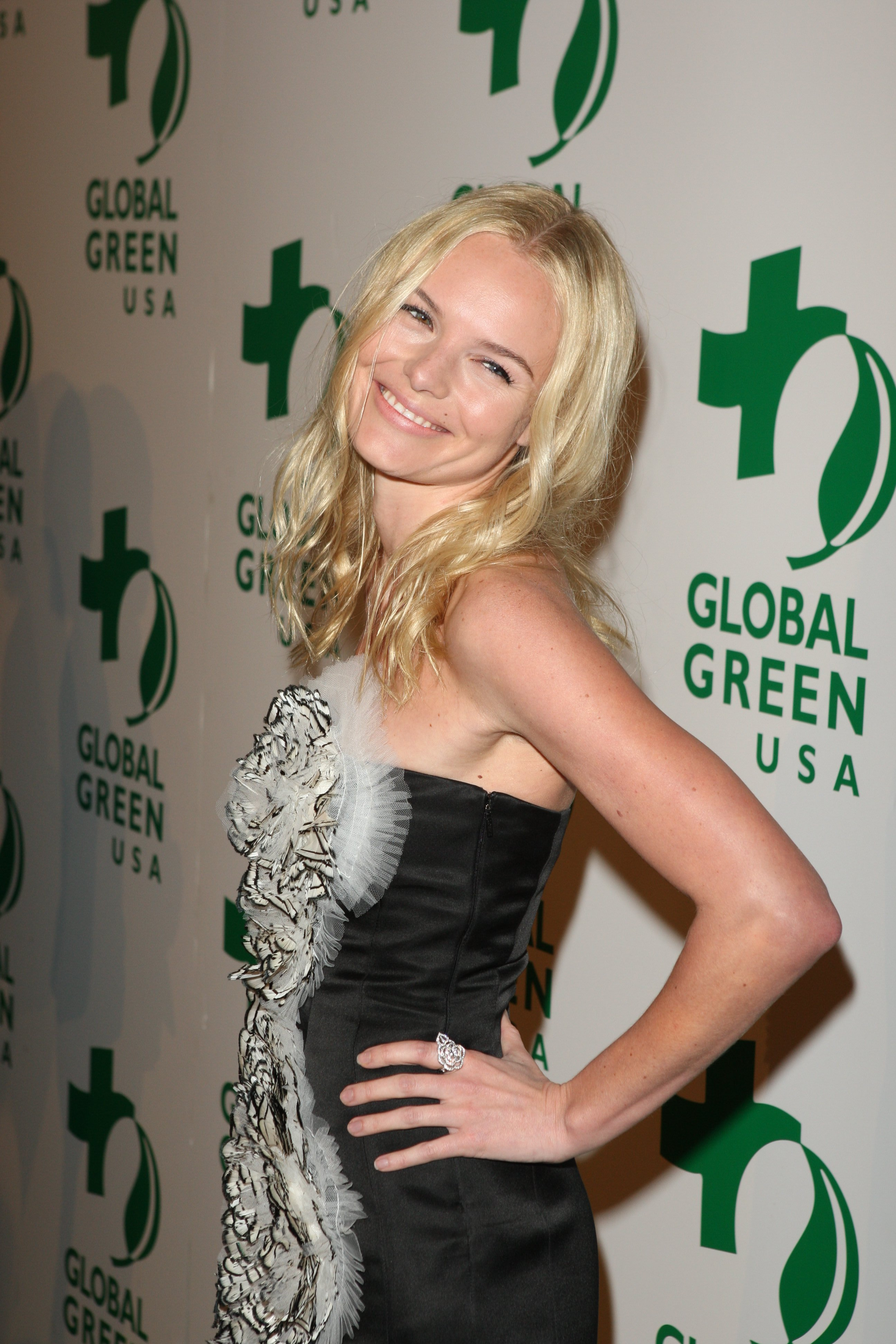 17031_Celebutopia-Kate_Bosworth_arrives_at_Global_Green_USA3s_6th_Annual_Pre-Oscar_Party-04_122_492lo.jpg