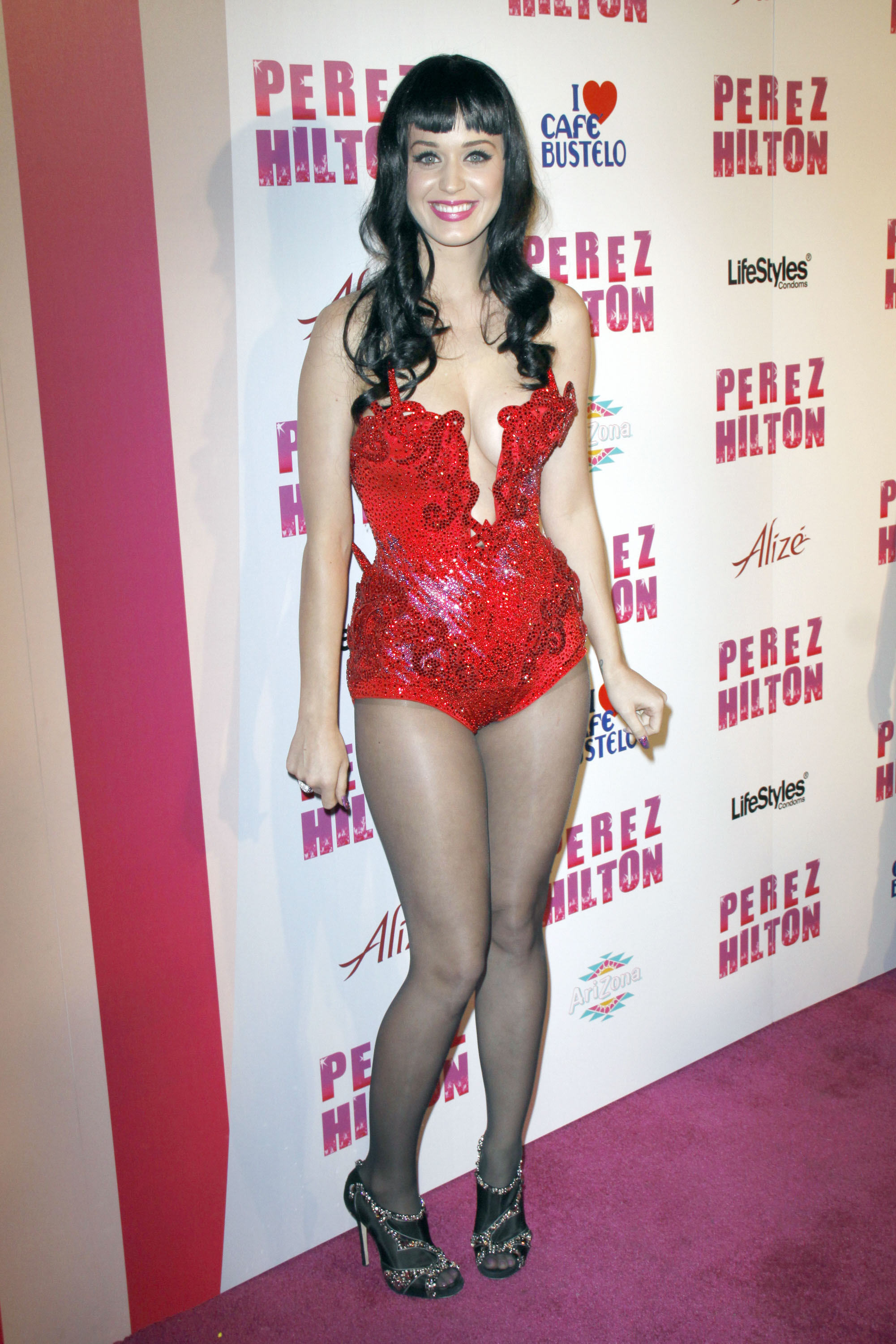10970_katy_perry_perez_hiltons_birthday_party.com_TheElder_KatyPerry37_122_452lo.jpg