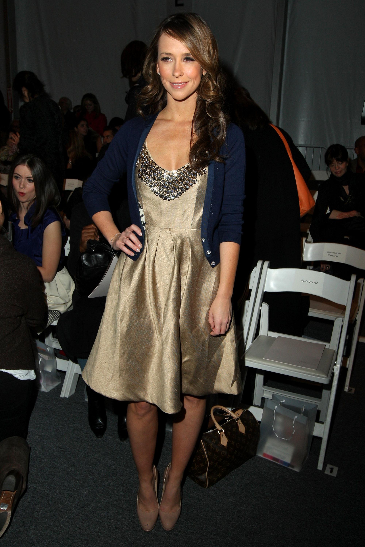59142_Jennifer_Love_Hewitt_2009-02-15_-_Lela_Rose_Fall_2009_Fashion_Show_6127_122_532lo.jpg