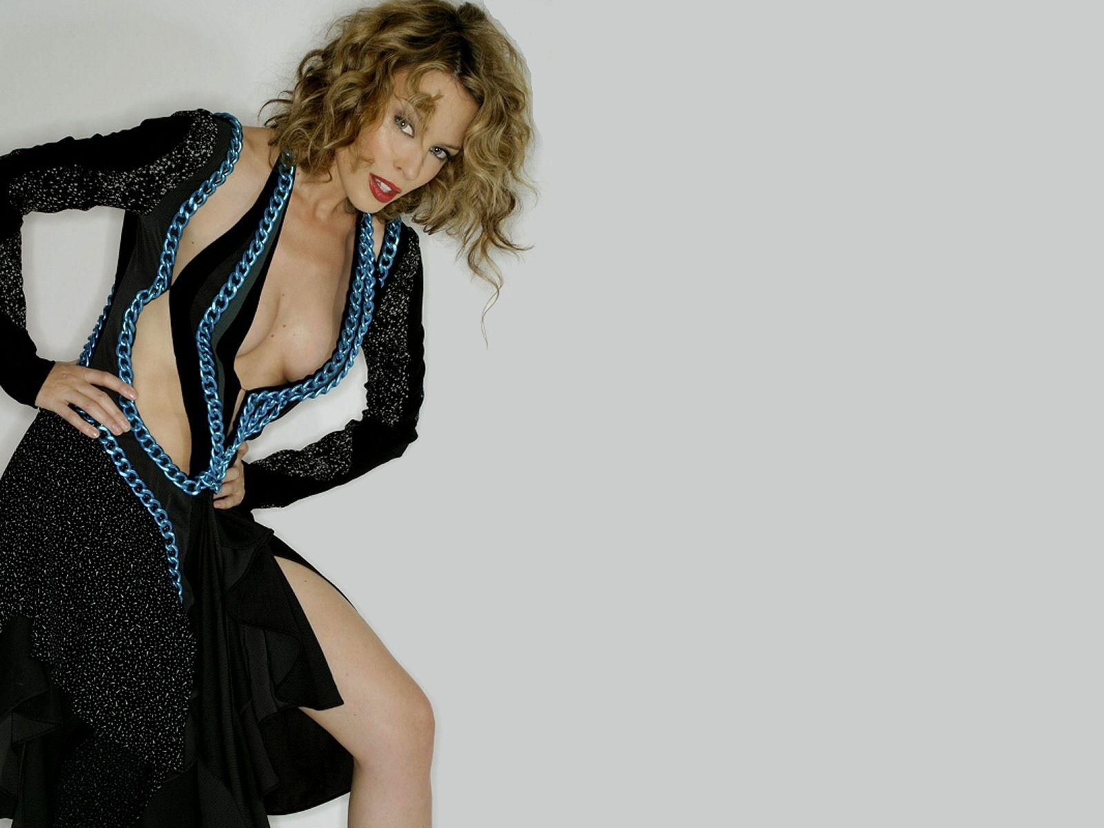 29304_Kylie_Minogue_220_123_115lo.jpg