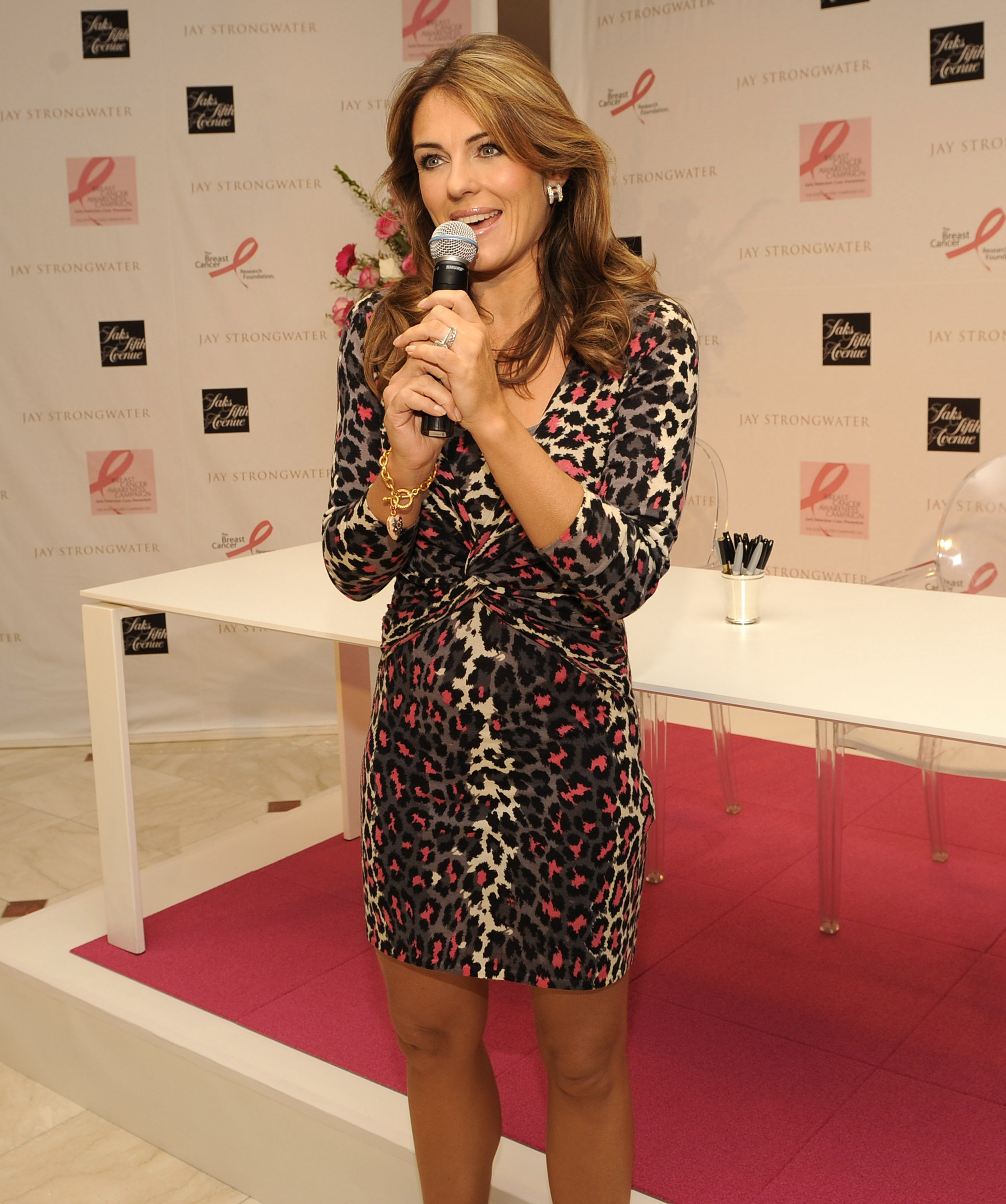 84767_Celebutopia-Elizabeth_Hurley-Celebration_of_Jay_Strongwater_limited_edition_pink_reflections_compact-05_122_178lo.jpg
