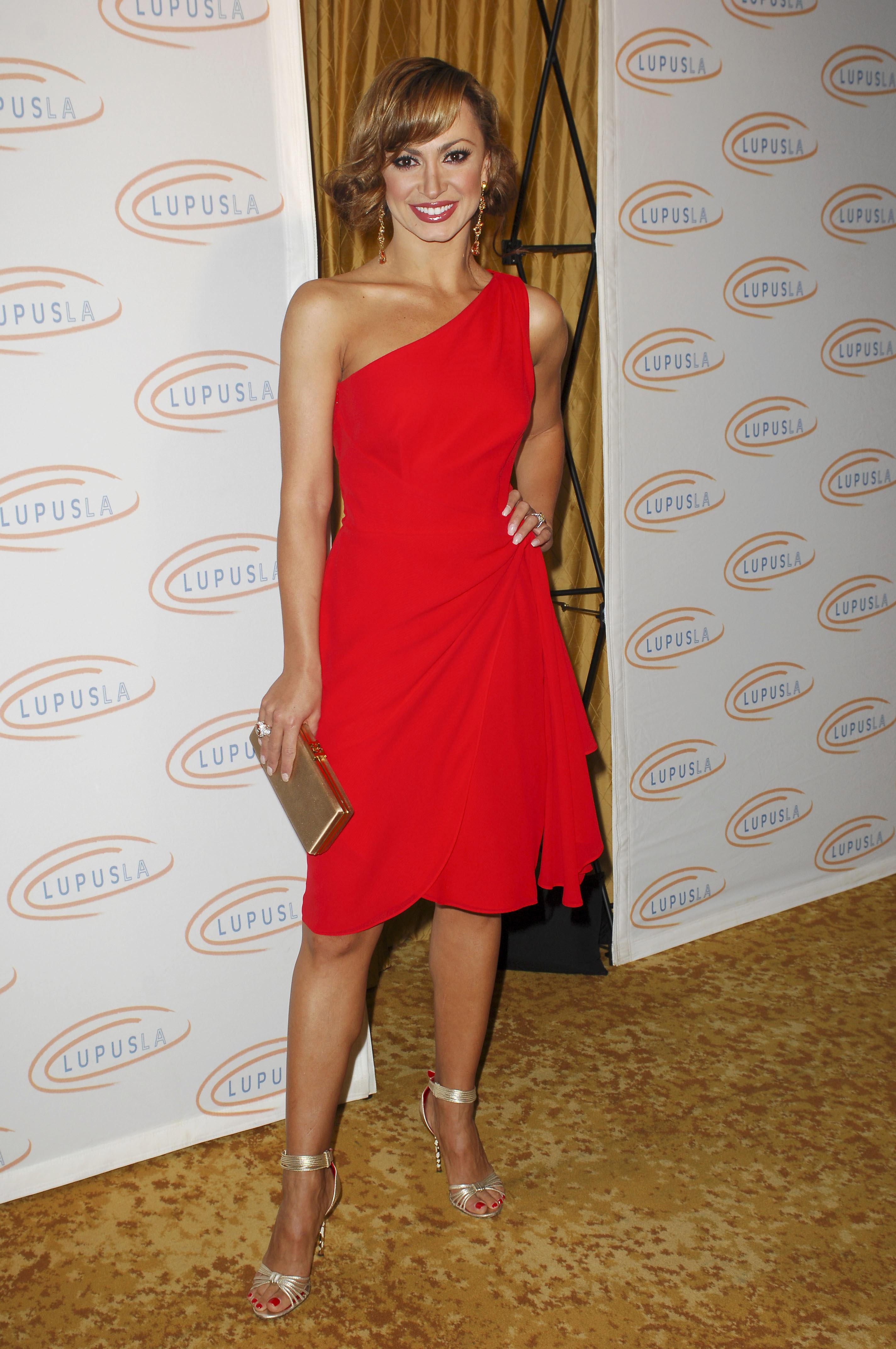 32070_Karina_Smirnoff_2008-11-07_-_Lupus_LA8s_Sixth_Annual_Hollywood_Bag_Ladies_Luncheon_in_Beverly_H_8359_122_122lo.jpg