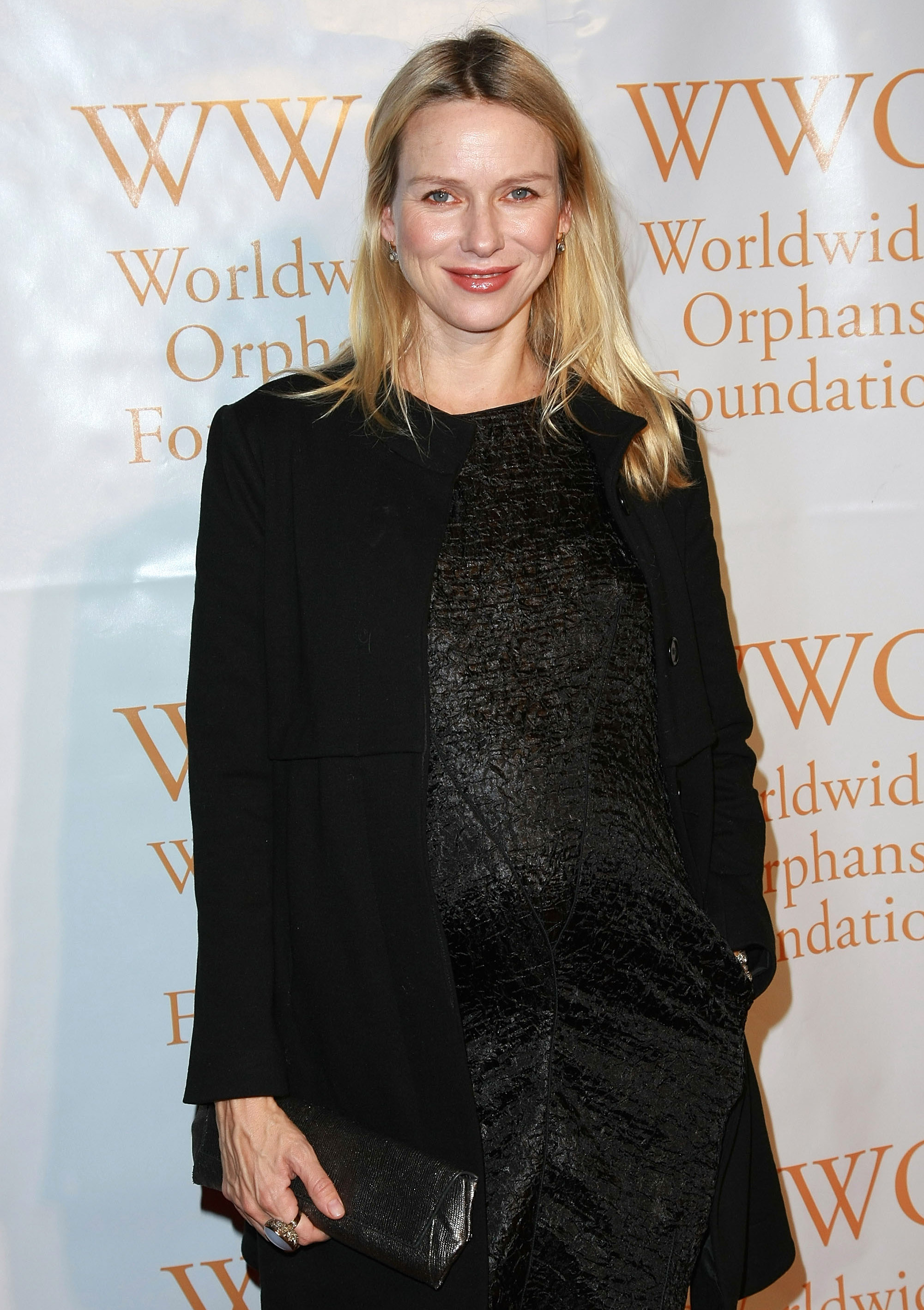 81996_Celebutopia-Naomi_Watts-4th_Annual_Worldwide_Orphans_Foundation_benefit_gala-03_122_427lo.jpg
