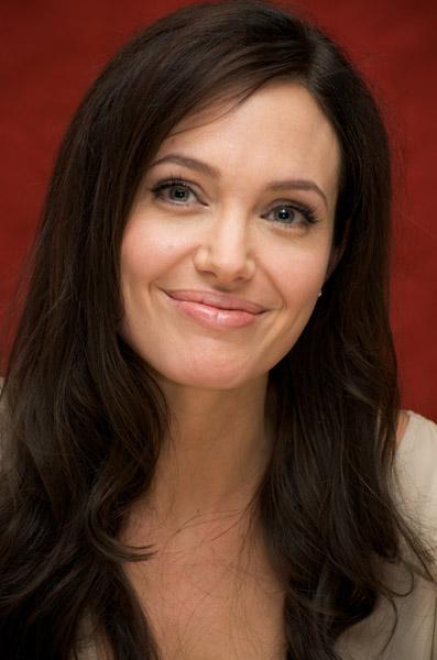 09531_Celebutopia-Angelina_Jolie-Vera_Anderson_portraits_session-15_122_435lo.jpg