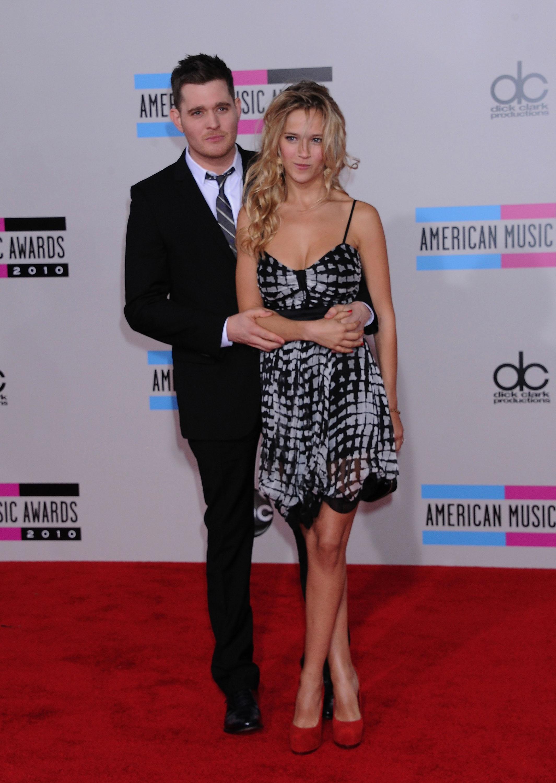 17102_Luisana_Lopilato_at_2010_American_Music_Awards6_122_151lo.jpg