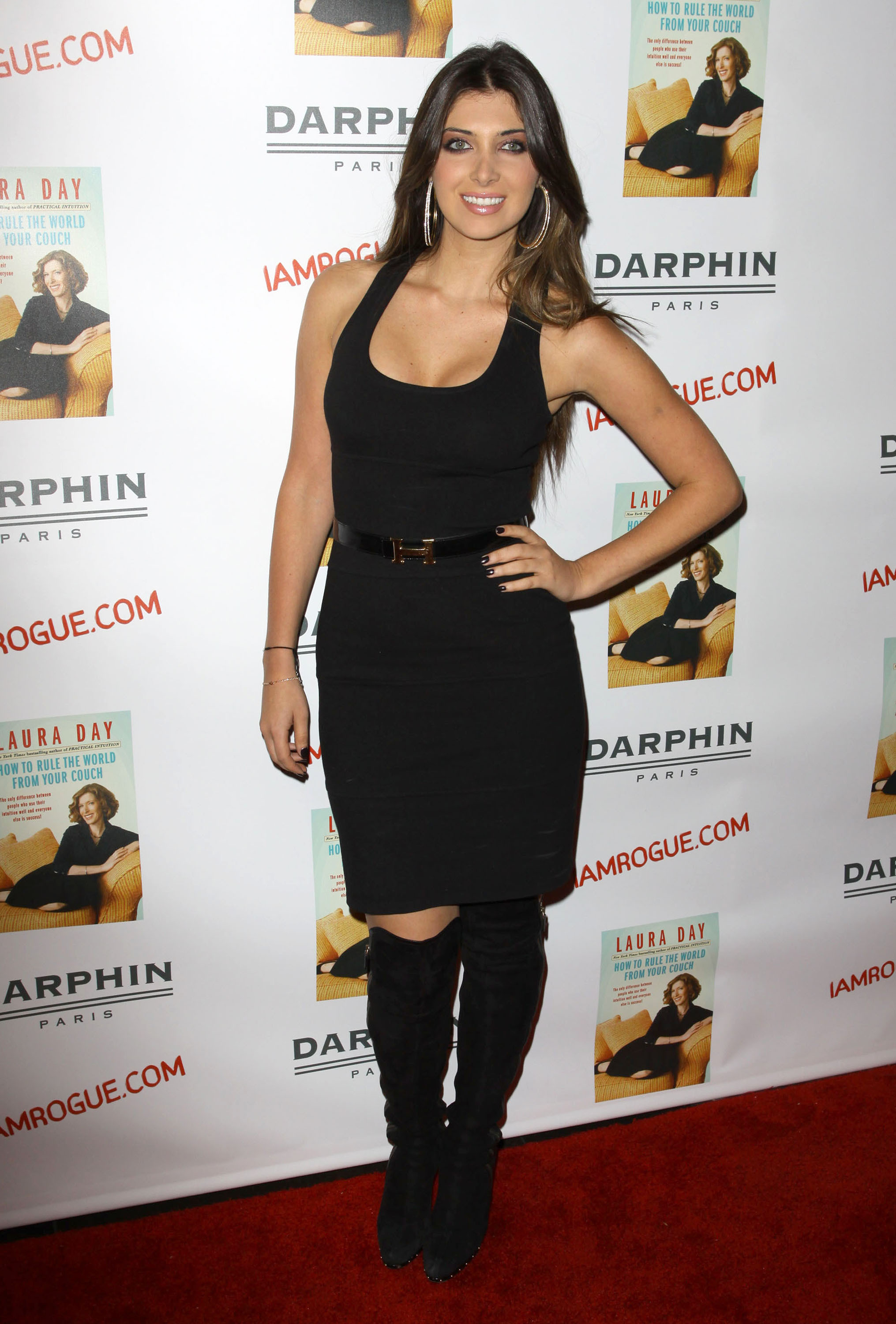 02397_celebrity-paradise.com-The_Elder-Brittny_Gastineau_2009-10-19_-_Book_Party_For_Laura_Day_243_122_25lo.jpg