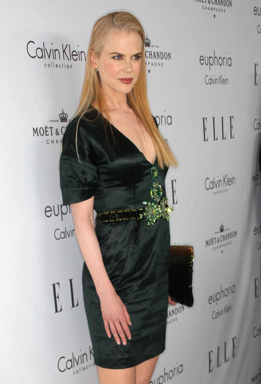 59065_Celebutopia-Nicole_Kidman-15th_annual_Women_In_Hollywood_Tribute_-06_122_487lo.jpg