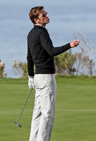 85427_golf1_122_101lo.jpg