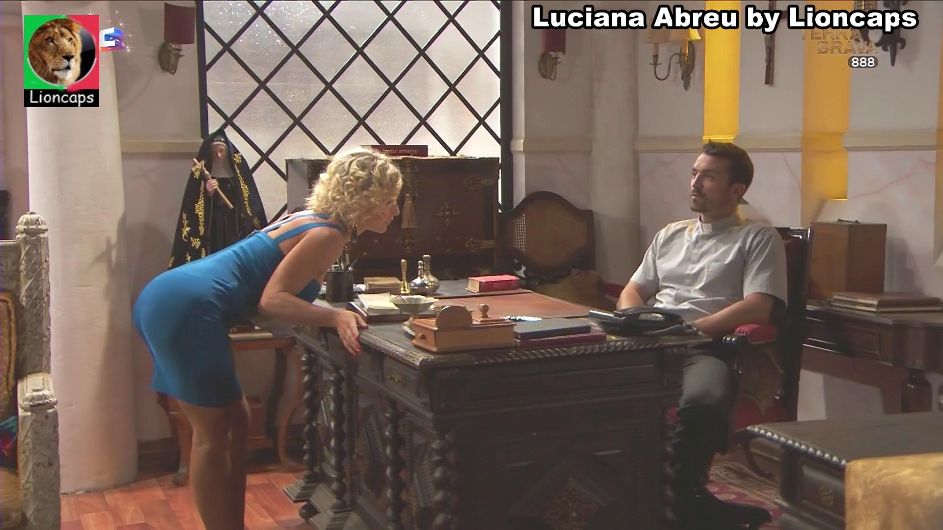 017077484_luciana_abreu_vs191222_02421_122_237lo.JPG