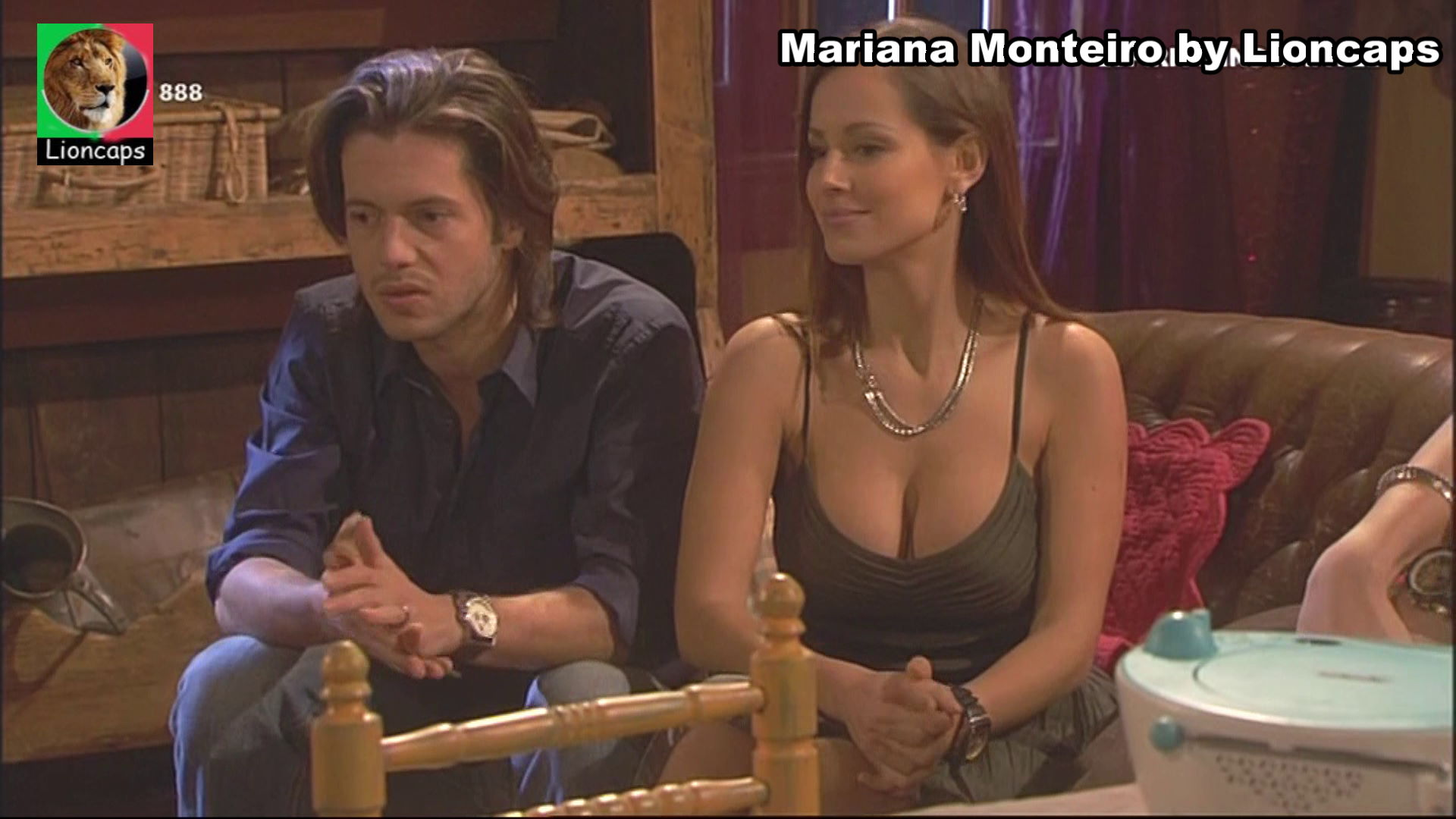 738387198_mariana_monteiro_vs190209_19217_122_336lo.JPG