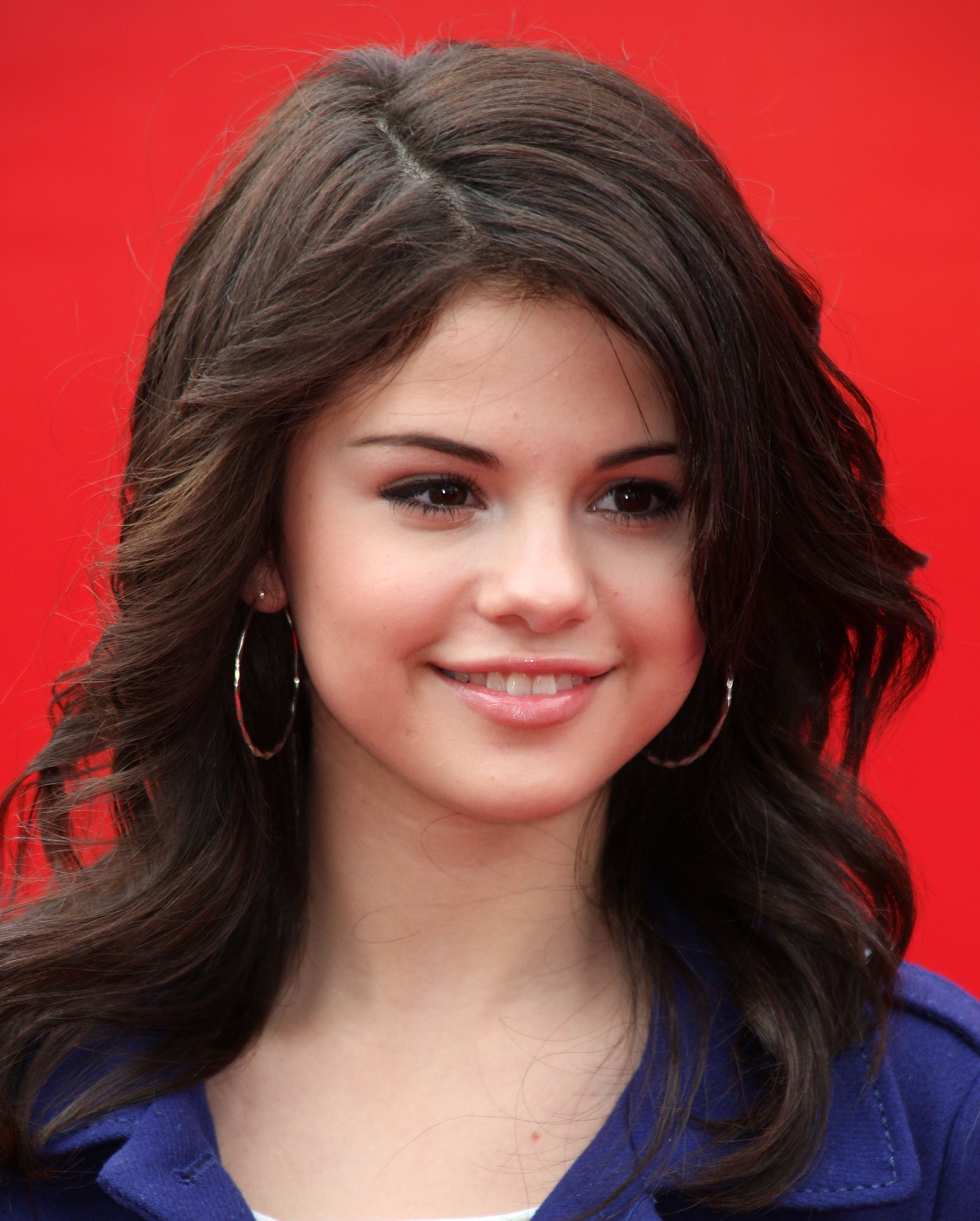 64983_Celebutopia-Selena_Gomez-Variety08s_Power_of_Youth_Event-07_122_402lo.jpg