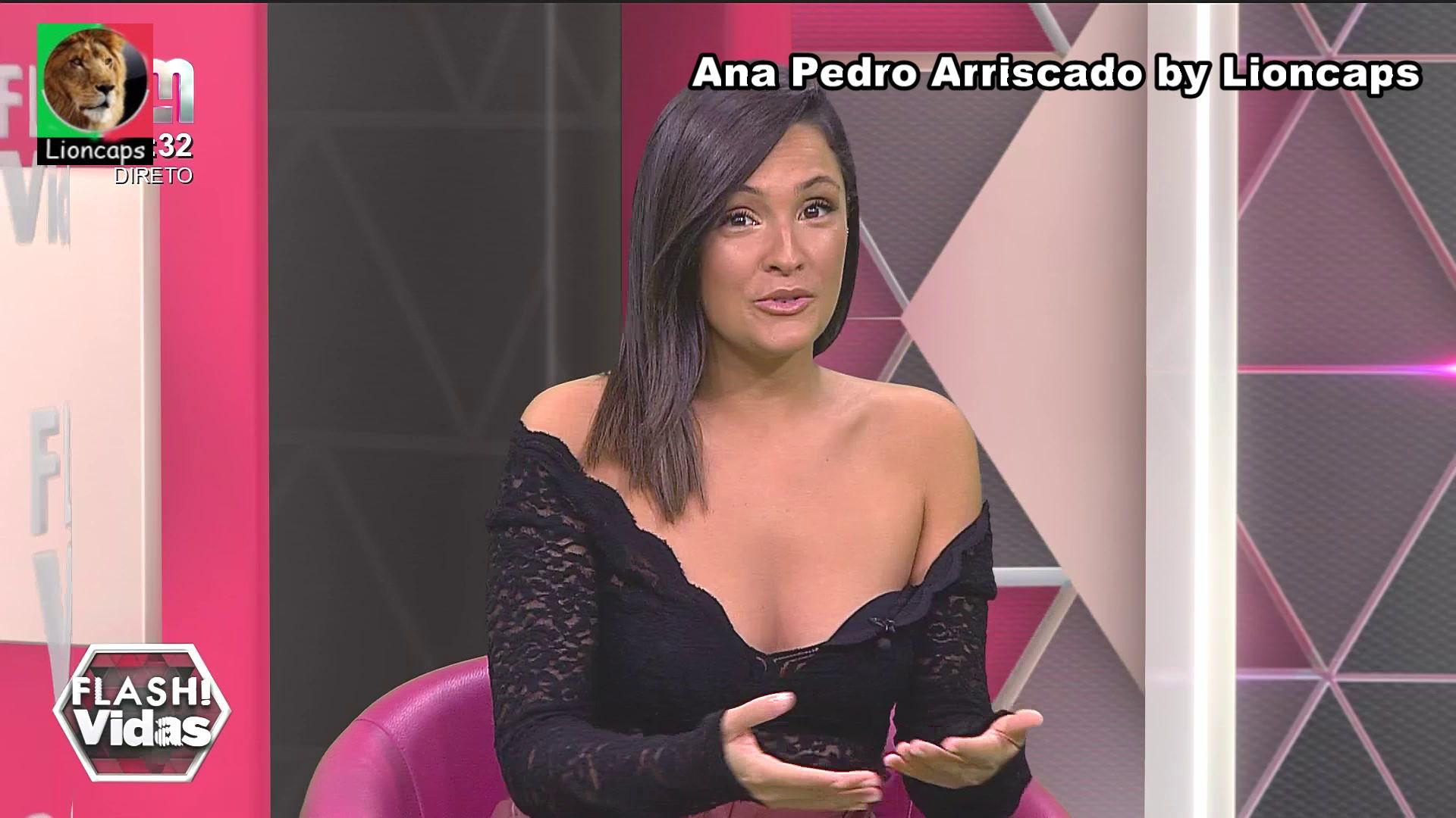 133442298_ana_pedro_arriscado_vs200325_00112_122_163lo.JPG