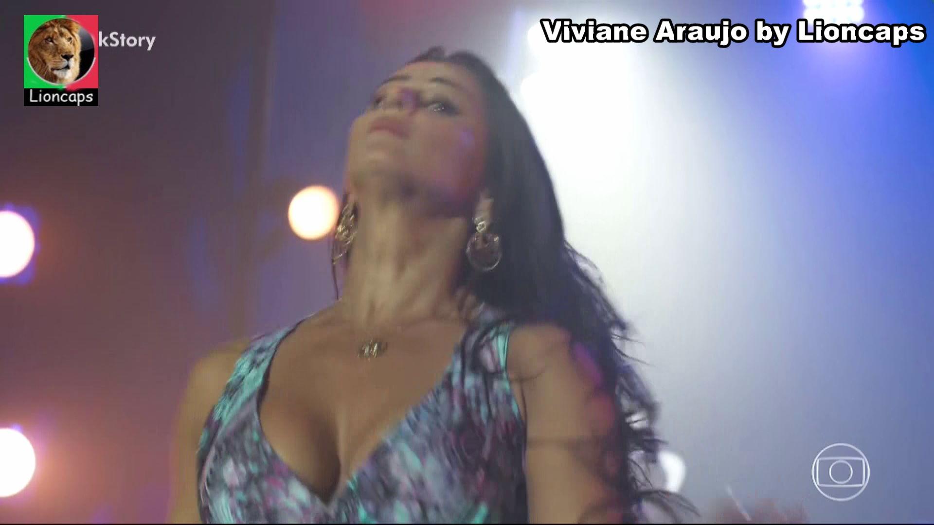 680944628_viviane_araujo_vs181201_15812_122_191lo.JPG