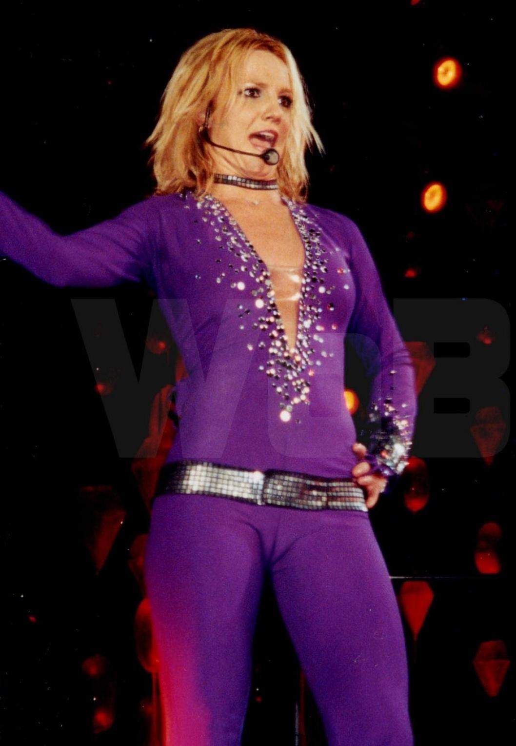 01144_Britney_Spears_023_123_200lo.jpg