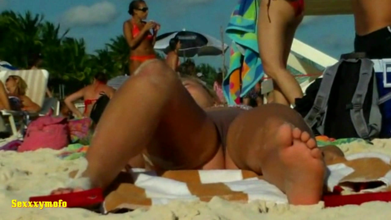896101476_tduid2556_HDV.Argentinian.Teen.With.Thong..The.Beach_Sexxxymofo.Collection18_123_404lo.jpg
