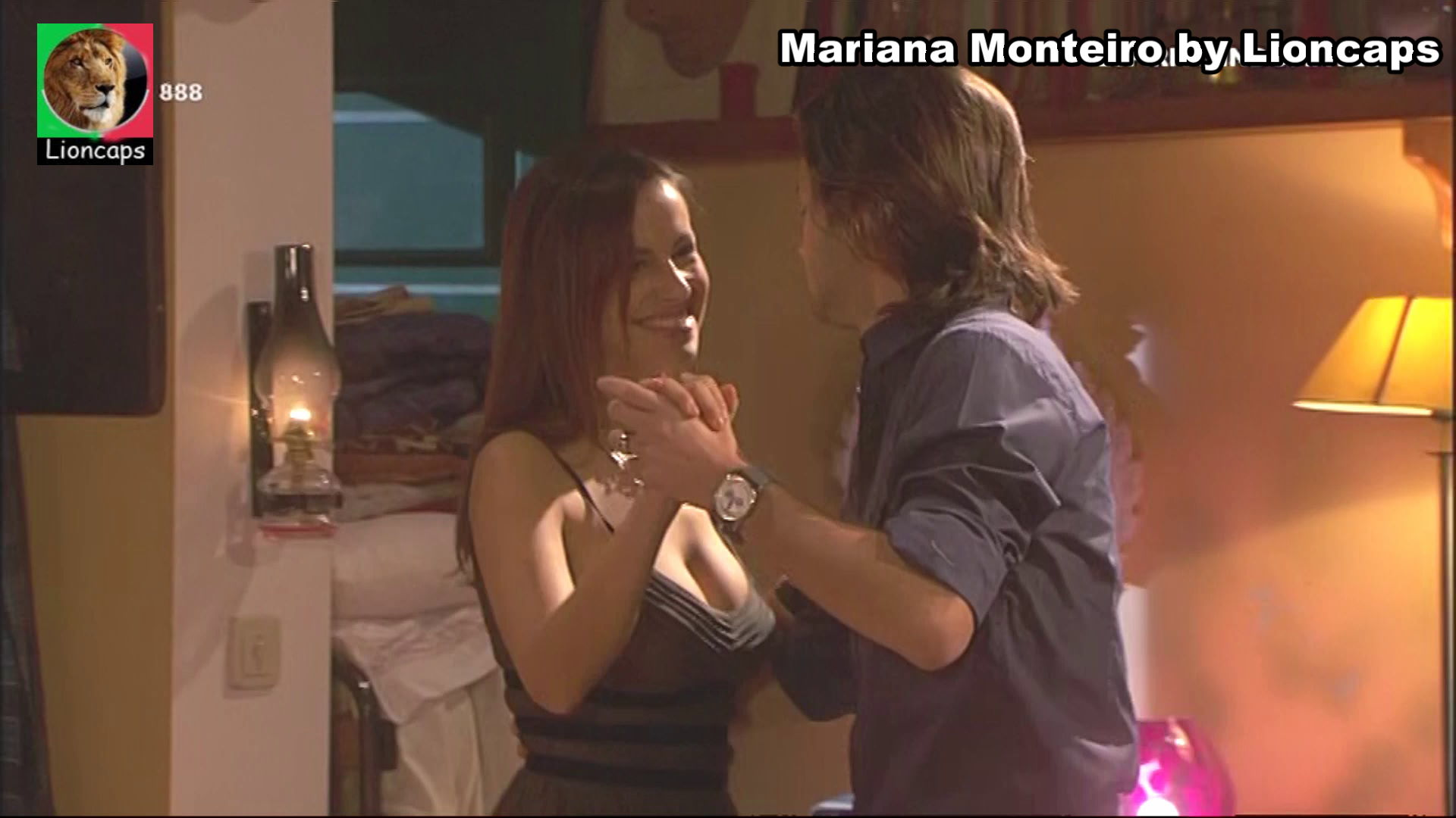 738388250_mariana_monteiro_vs190209_19218_122_454lo.JPG
