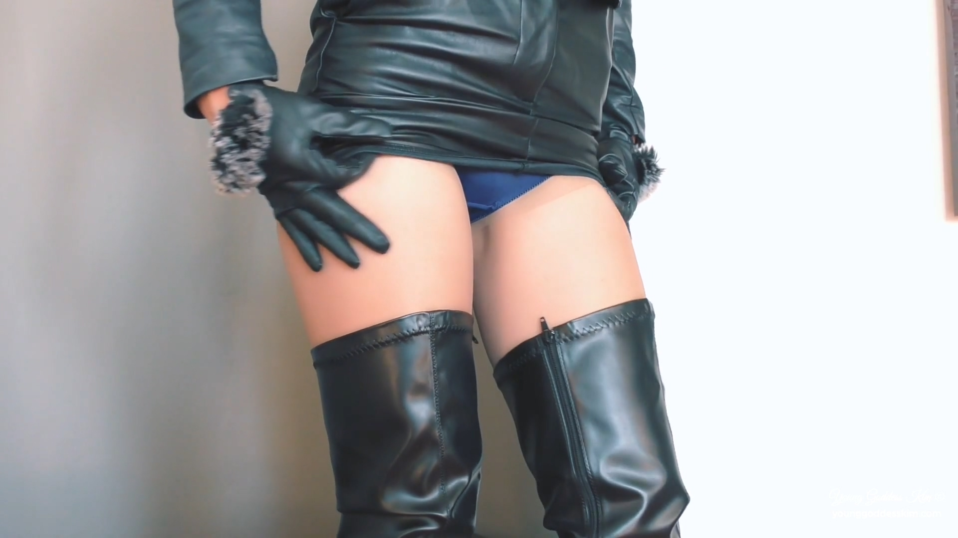 942904643_Leather_and_lust.mp4_20190330_124554.143_123_510lo.jpg