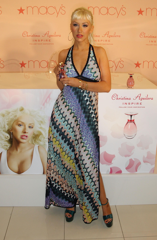33210_Celebutopia-Christina_Aguilera_launches_her_new_perfume_Inspire-05_122_575lo.jpg