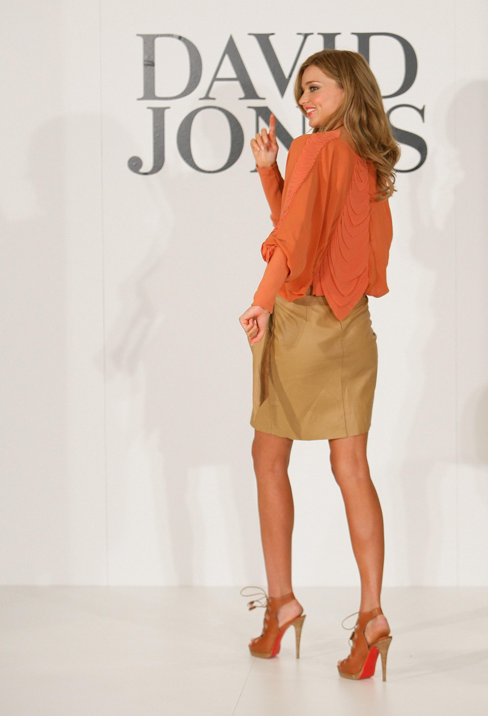 67726_Miranda_Kerr_In_Store_Fashion_Workshop-5_122_197lo.jpg