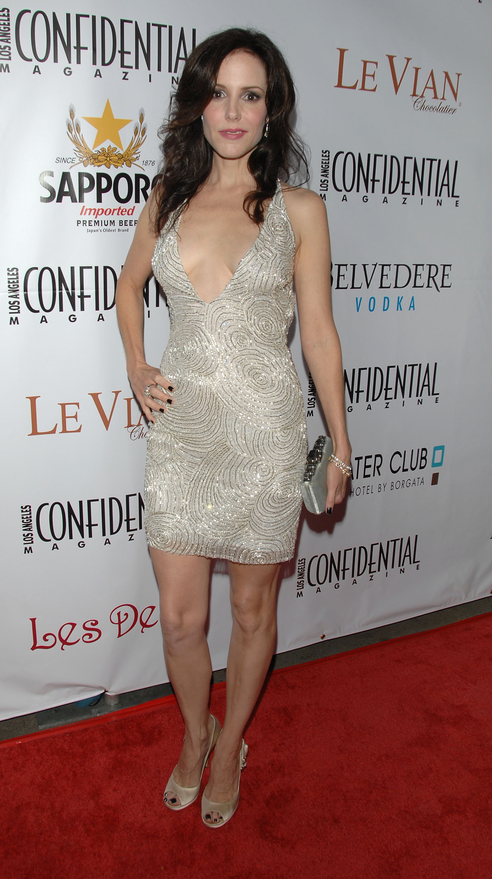 91825_Celebutopia-Mary-Louise_Parker-Los_Angeles_Confidential_Magazine48s_Pre-Emmy_Party-04_122_452lo.jpg