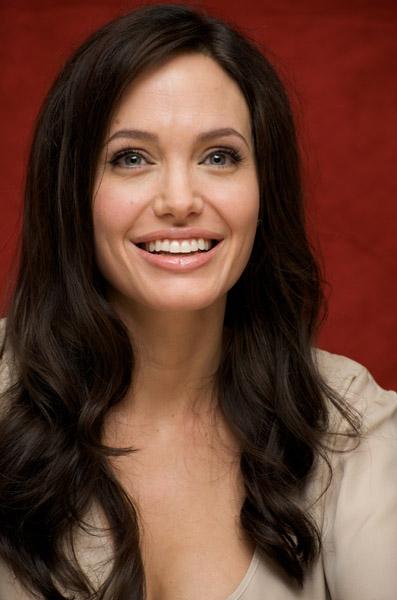 09539_Celebutopia-Angelina_Jolie-Vera_Anderson_portraits_session-18_122_537lo.jpg