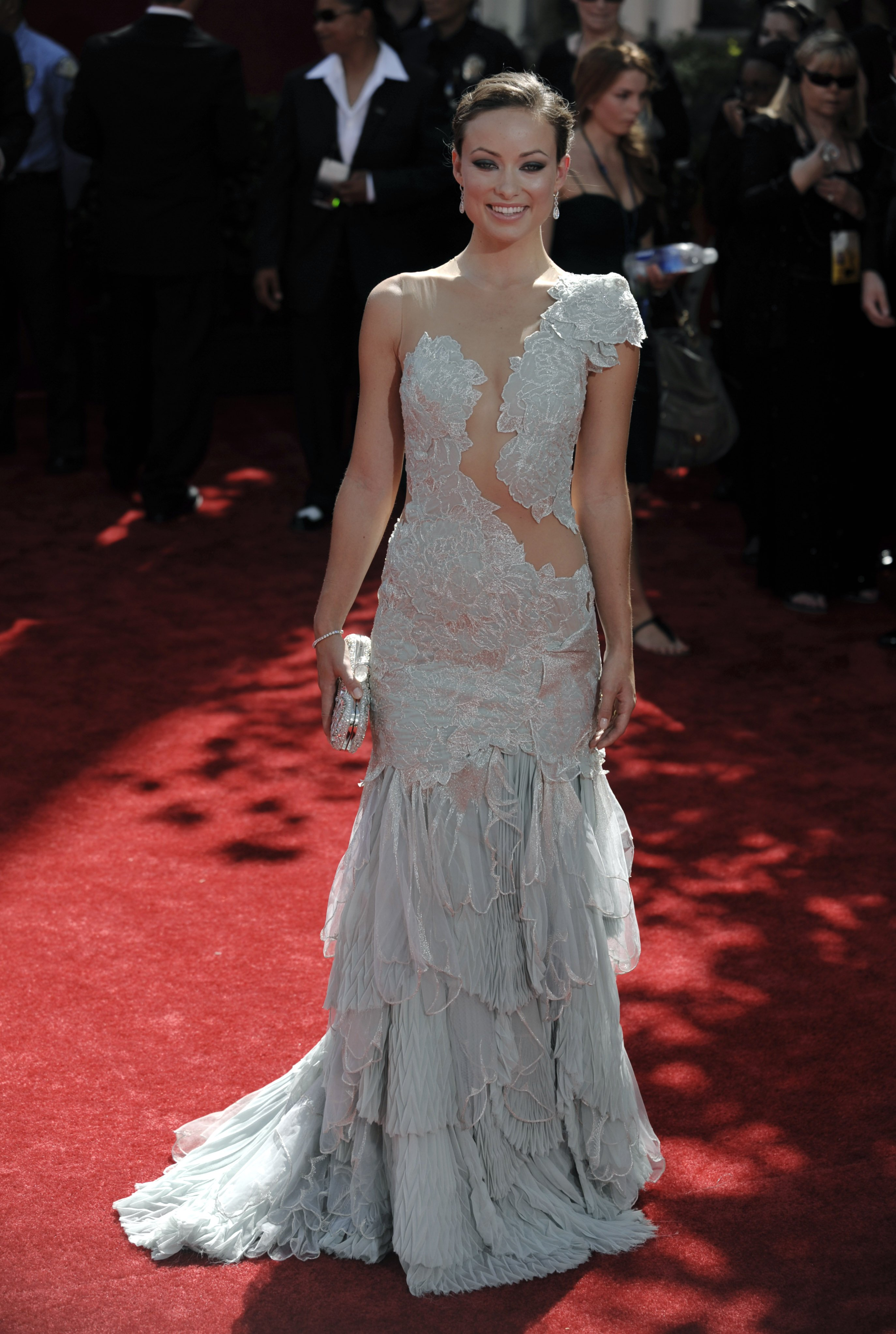 86712_Celebutopia-Olivia_Wilde_arrives_at_the_61st_Primetime_Emmy_Awards-07_122_448lo.jpg