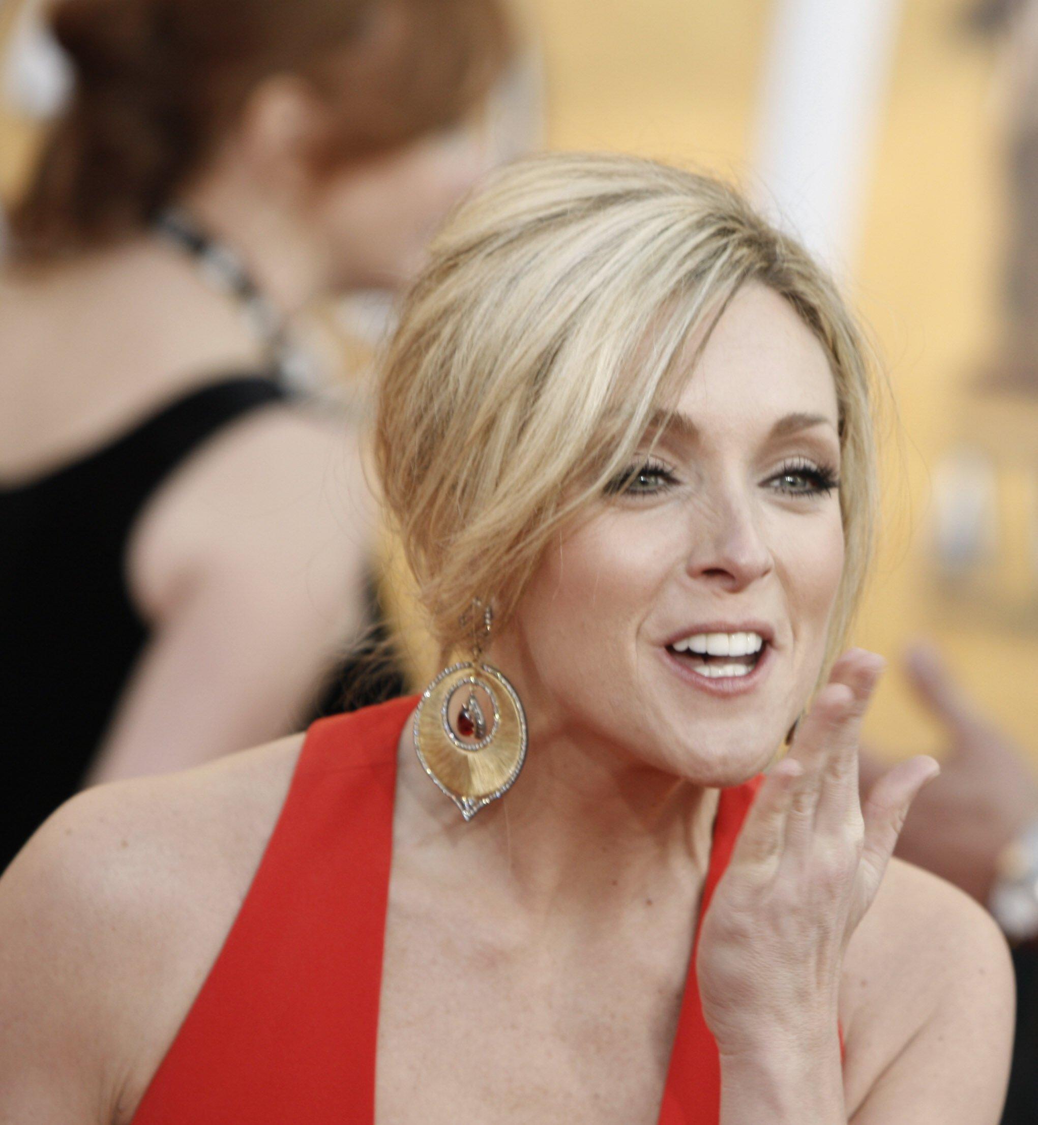 32981_Celebutopia-Jane_Krakowski_arrives_at_the_15th_Annual_Screen_Actors_Guild_Awards-04_122_978lo.jpg