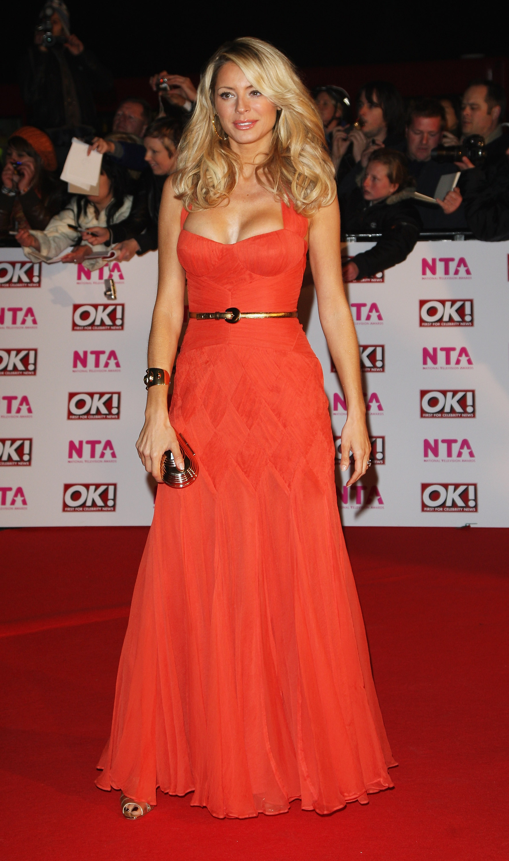 18183_Celebutopia-Tess_Daly_arrives_at_the_2008_National_Television_Awards-03_122_182lo.jpg