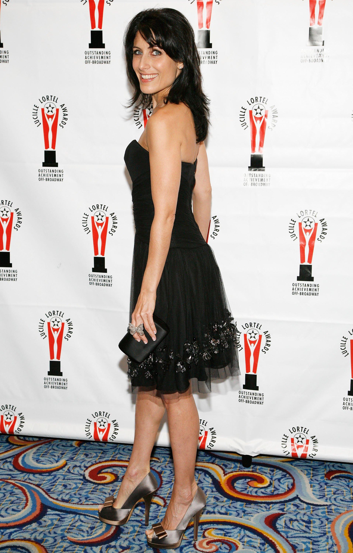 16427_Celebutopia-Lisa_Edelstein-2009_Lucille_Lortel_Awards-02_122_570lo.jpg