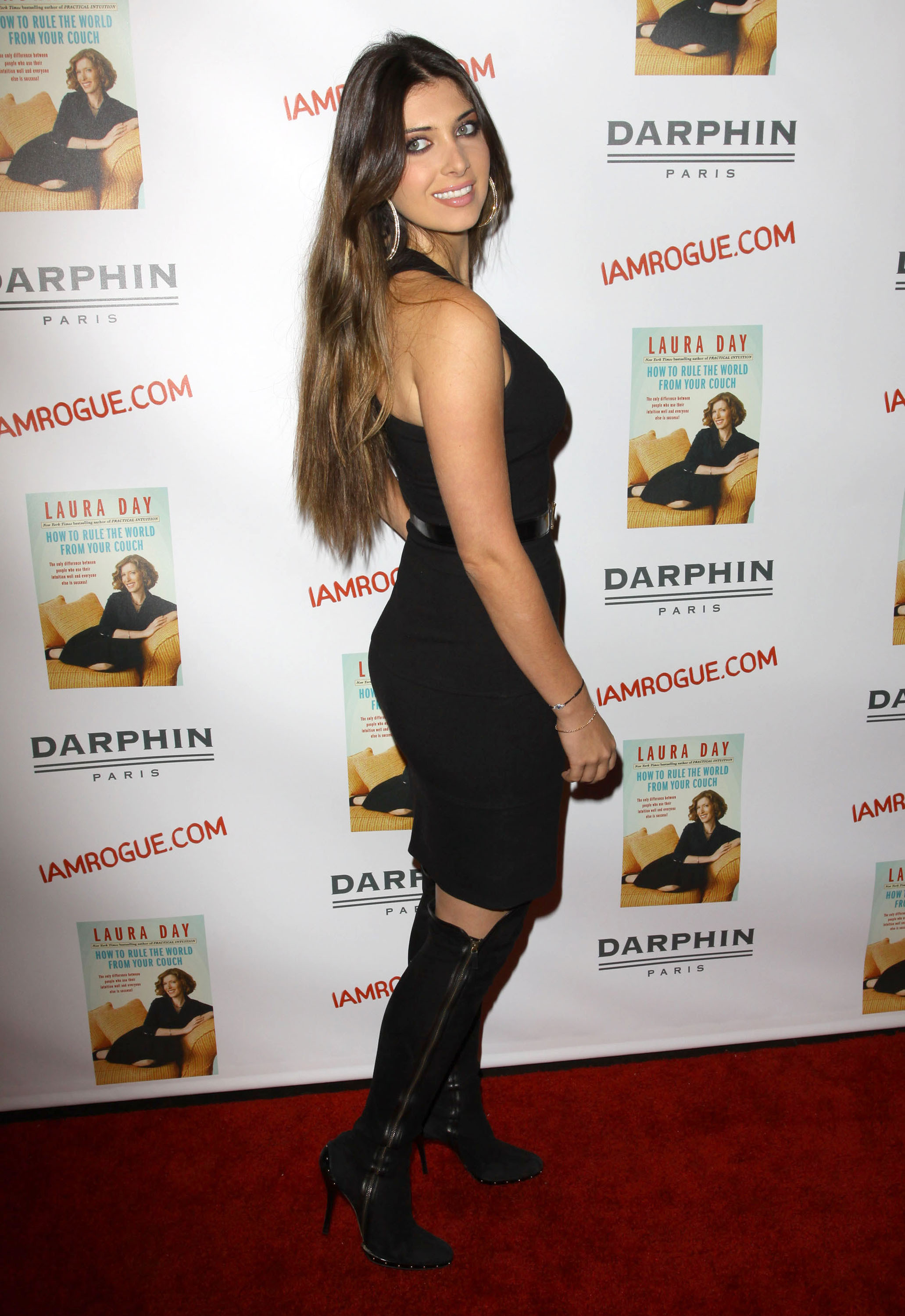 02399_celebrity-paradise.com-The_Elder-Brittny_Gastineau_2009-10-19_-_Book_Party_For_Laura_Day_451_122_81lo.jpg