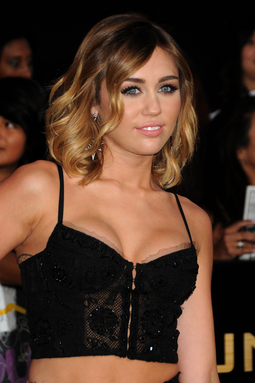 32875_Miley_Cyrus_Adds18_123_131lo.jpg