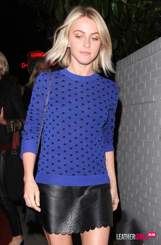 303191180_Julianne_Hough_in_West_Hollywood__01_122_111lo.jpg