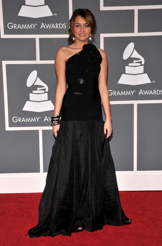 47584_Miley_Cyrus_celebutopia.net_090_122_156lo.jpg
