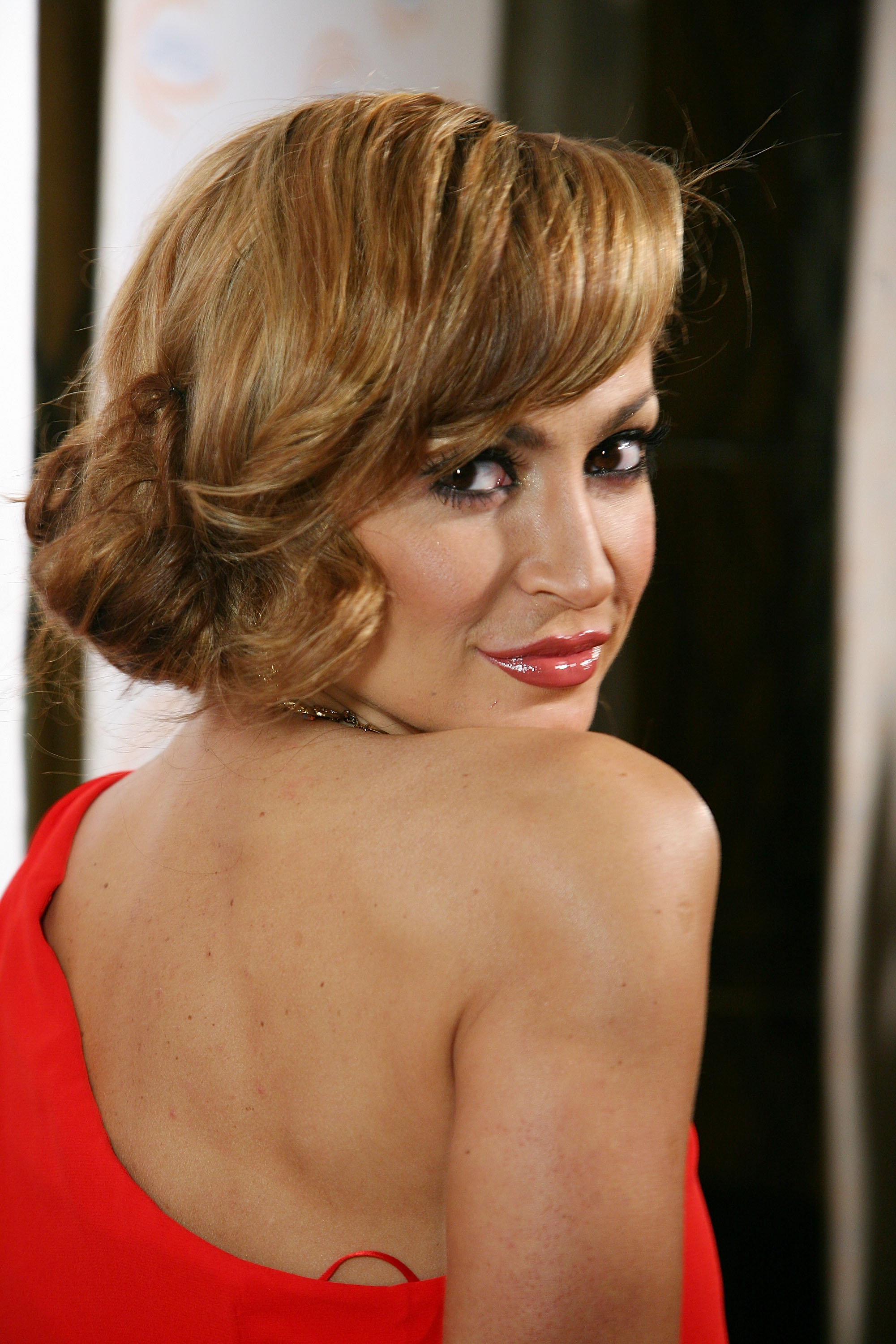 30369_Karina_Smirnoff_2008-11-07_-_Lupus_LA0s_Sixth_Annual_Hollywood_Bag_Ladies_Luncheon_in_Beverly_H_0148_122_109lo.jpg